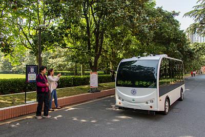 Shanghai boosts self-driving tests
