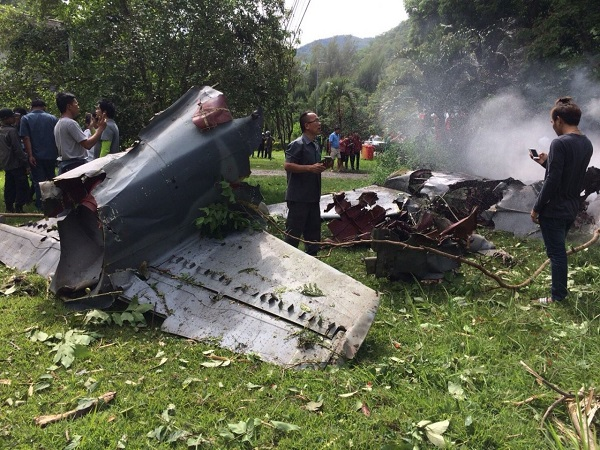 Military aircraft crashes in western Thailand, killing 1