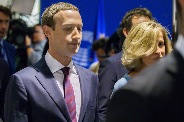 Facebook boss to apologise to European Parliament over data scandal