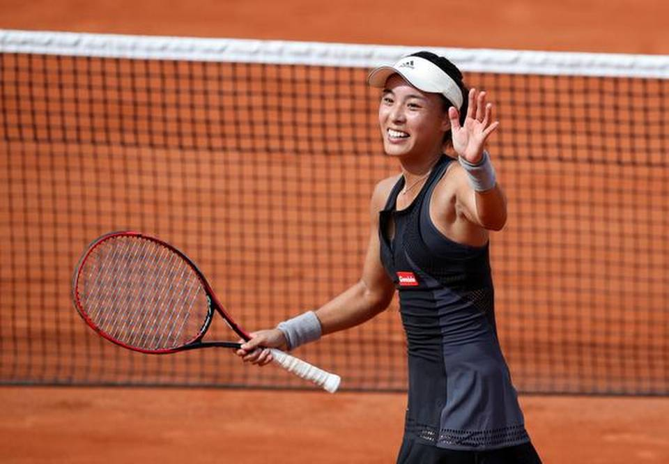 Venus knocked out by China's Wang in first round at Roland Garros