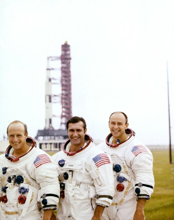 Moonwalking astronaut-artist Alan Bean dies at 86