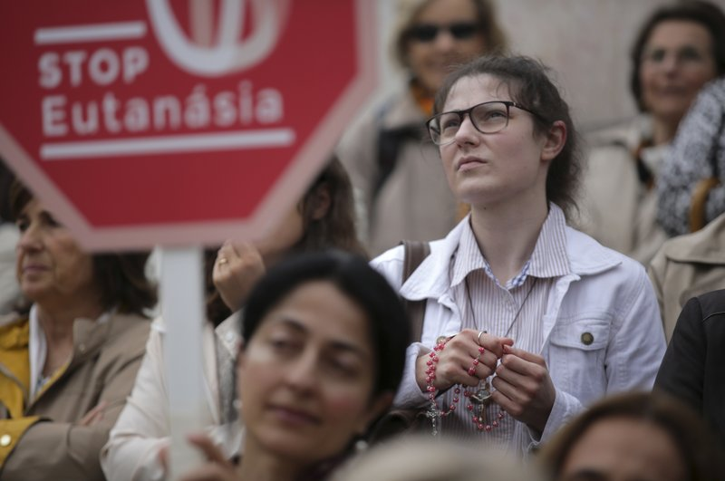 Portugal considers allowing euthanasia, assisted suicide