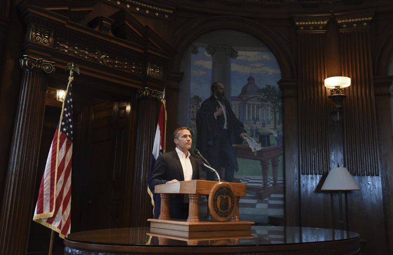 Prosecutor to drop felony charge against Missouri governor
