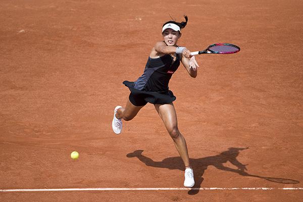 China's Wang Qiang reaches third round at Roland Garros