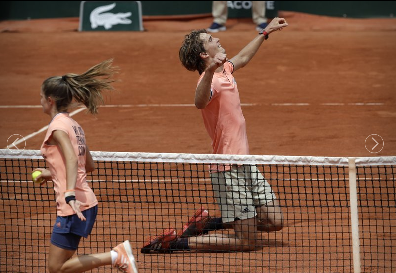Zverev and Thiem win to set up French Open quarterfinal