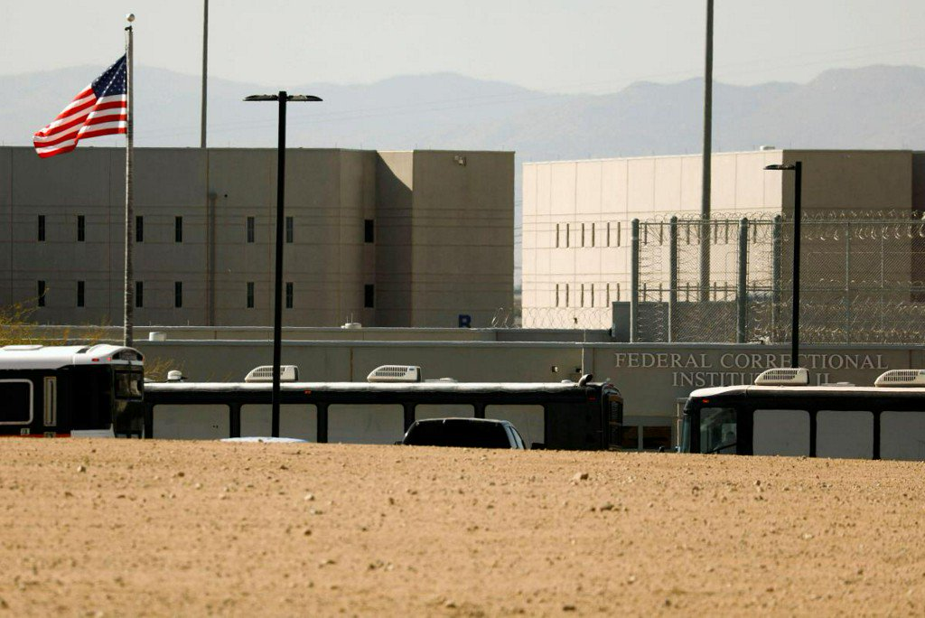 Lawyers, workers question putting immigration detainees in US prisons