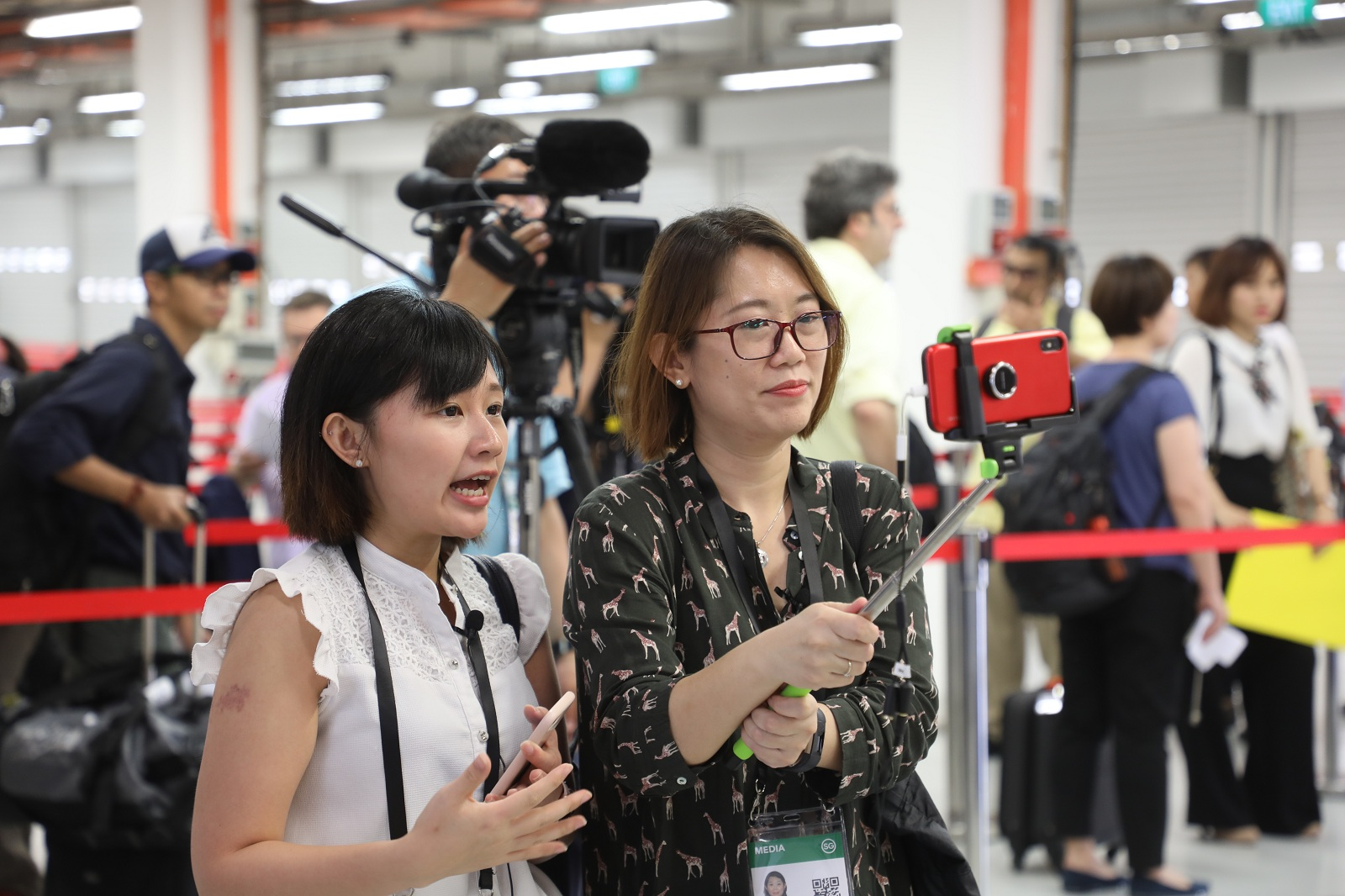 in the media ceter located in the F1 Pit Building of Singapore, some reporters have started their work.JPG