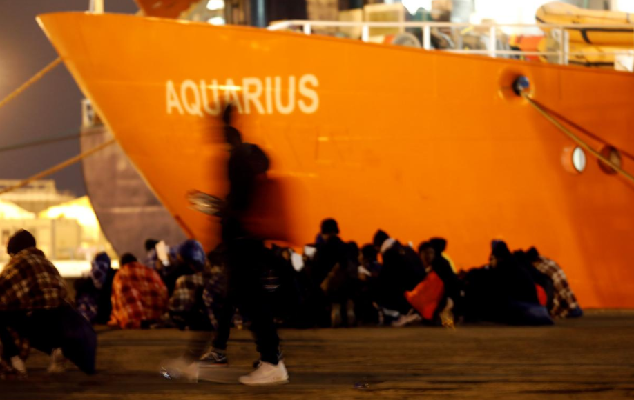 Italy shuts ports to migrant boat, asks Malta to open its doors