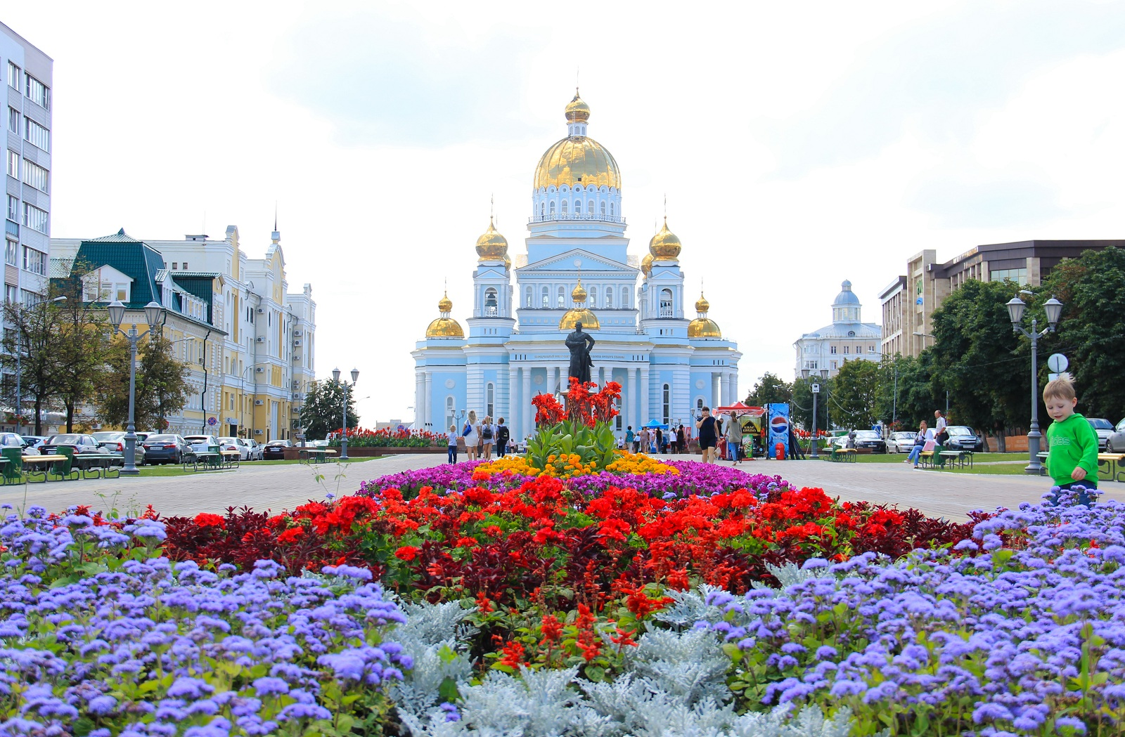 The_Cathedral_of_the_Holy_and_Righteous_Warrior_Feodor_Ushakov_Saransk's_major_architectural_landmark_has_a_height_of_63_meters_A_vista_point_on_the_cathedral's_ grounds_offers_a_view_of_the_whole_city.jpg