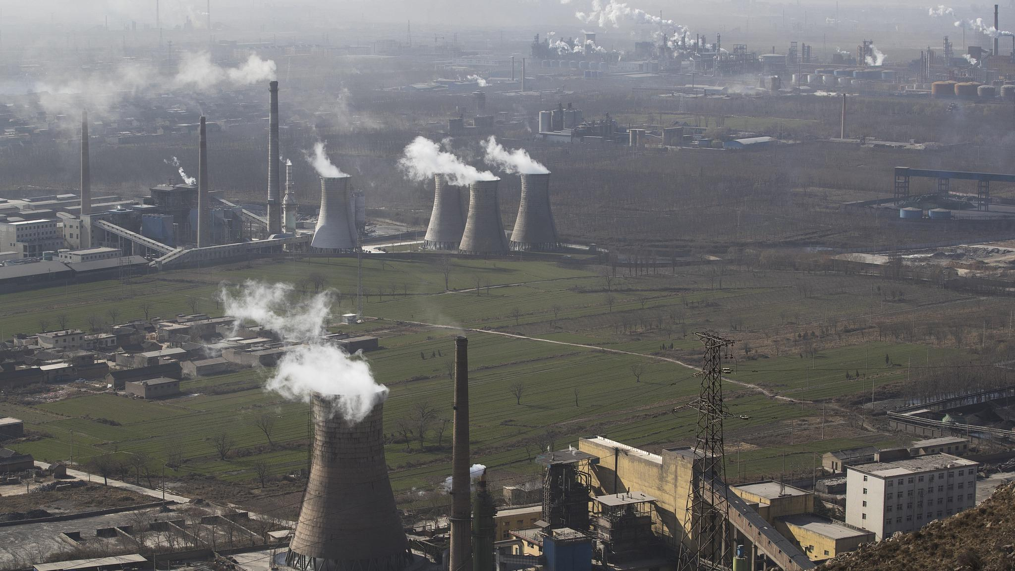 China's crackdown on air pollution working, but unevenly