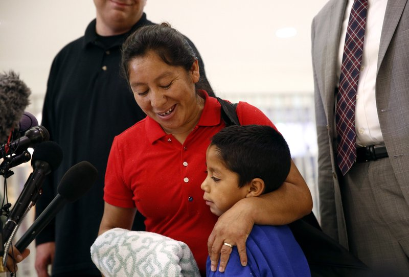 Confusion swirls on border after Trump reversal on families