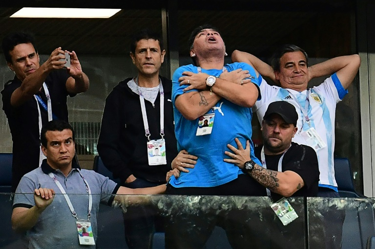 Angry Maradona offers reward over 'death' report
