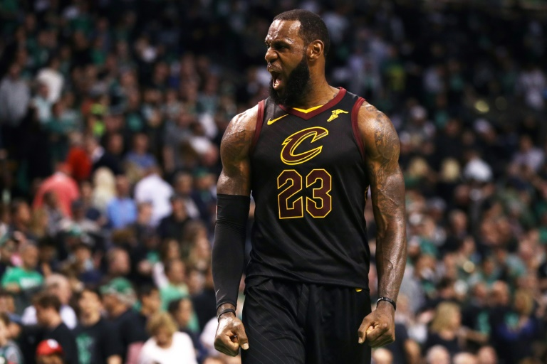 LeBron opts out of Cavs deal, sets up NBA free agency circus