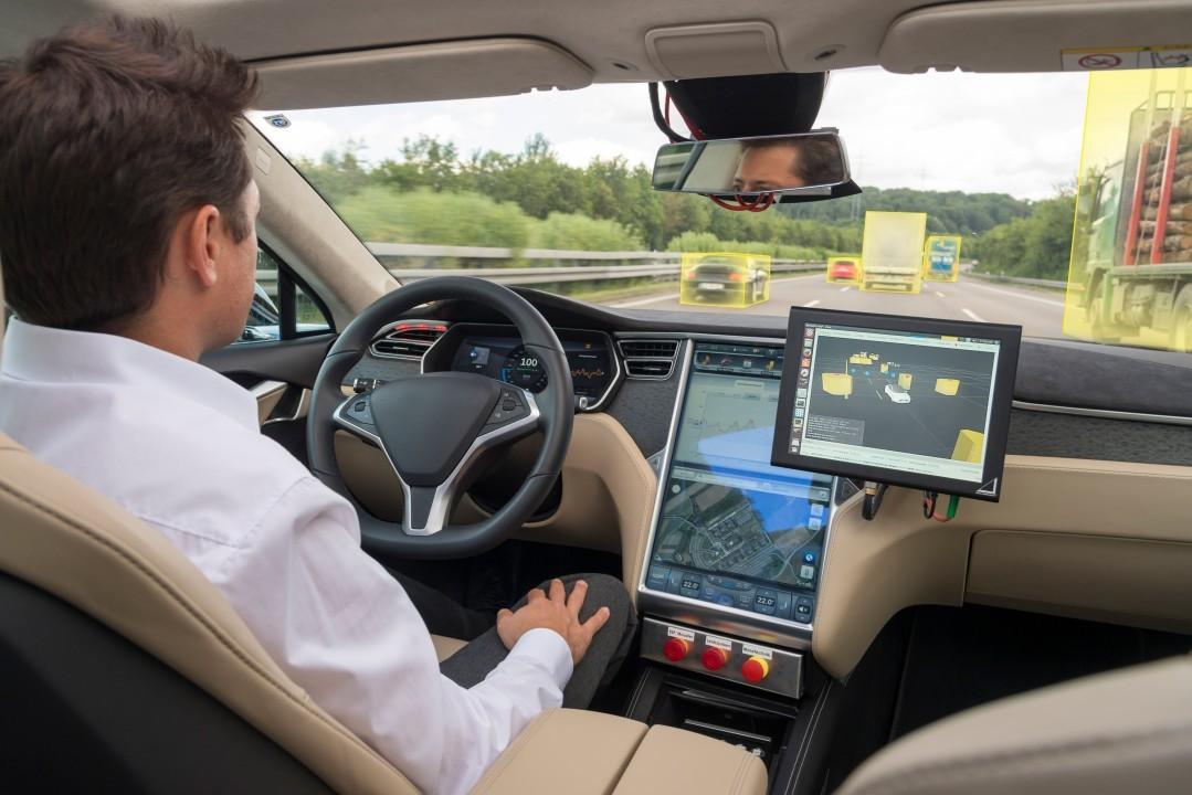 Investors, professionals optimistic about AI-driven future mobility