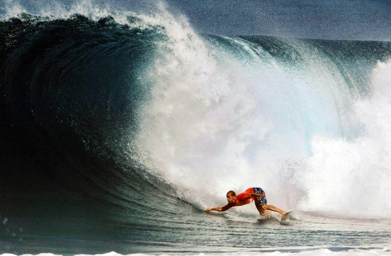 Goodbye wave: surfing great Kelly Slater to retire in 2019