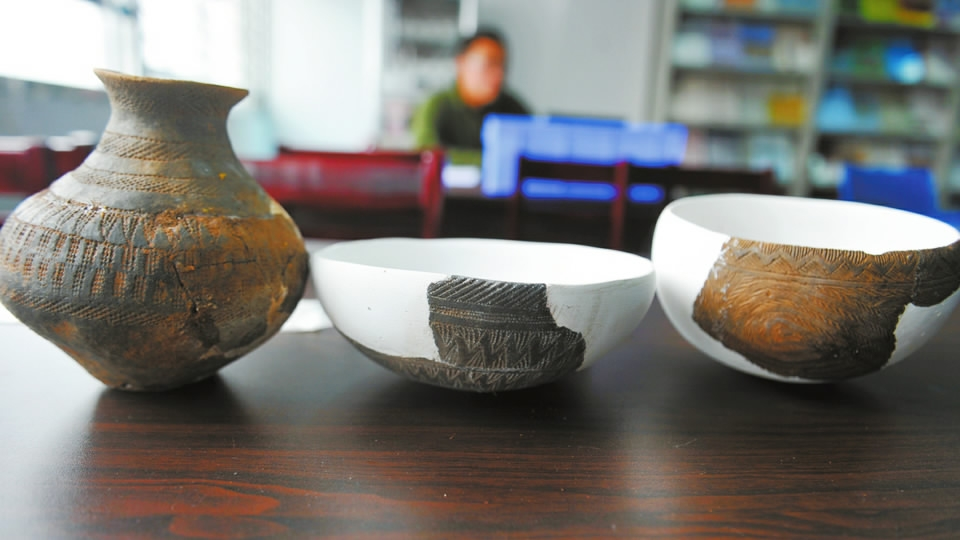 Vietnam excavating ancient ship laden with Chinese porcelain