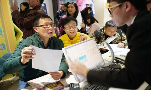 Chinese tourists reluctant to visit US amid trade spat