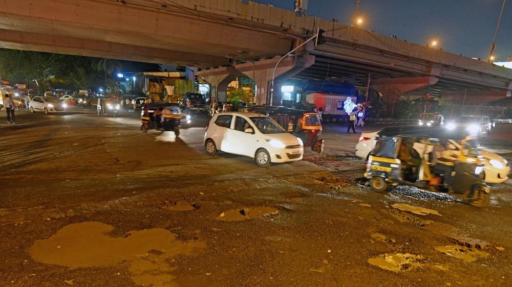 15 children injured as school bus falls off bridge in India