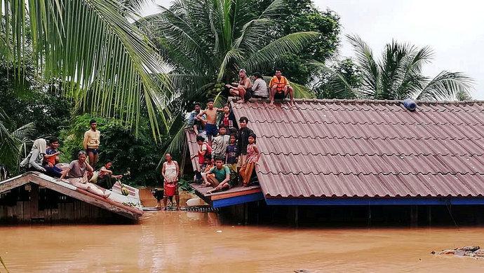 老挝大水.jpg
