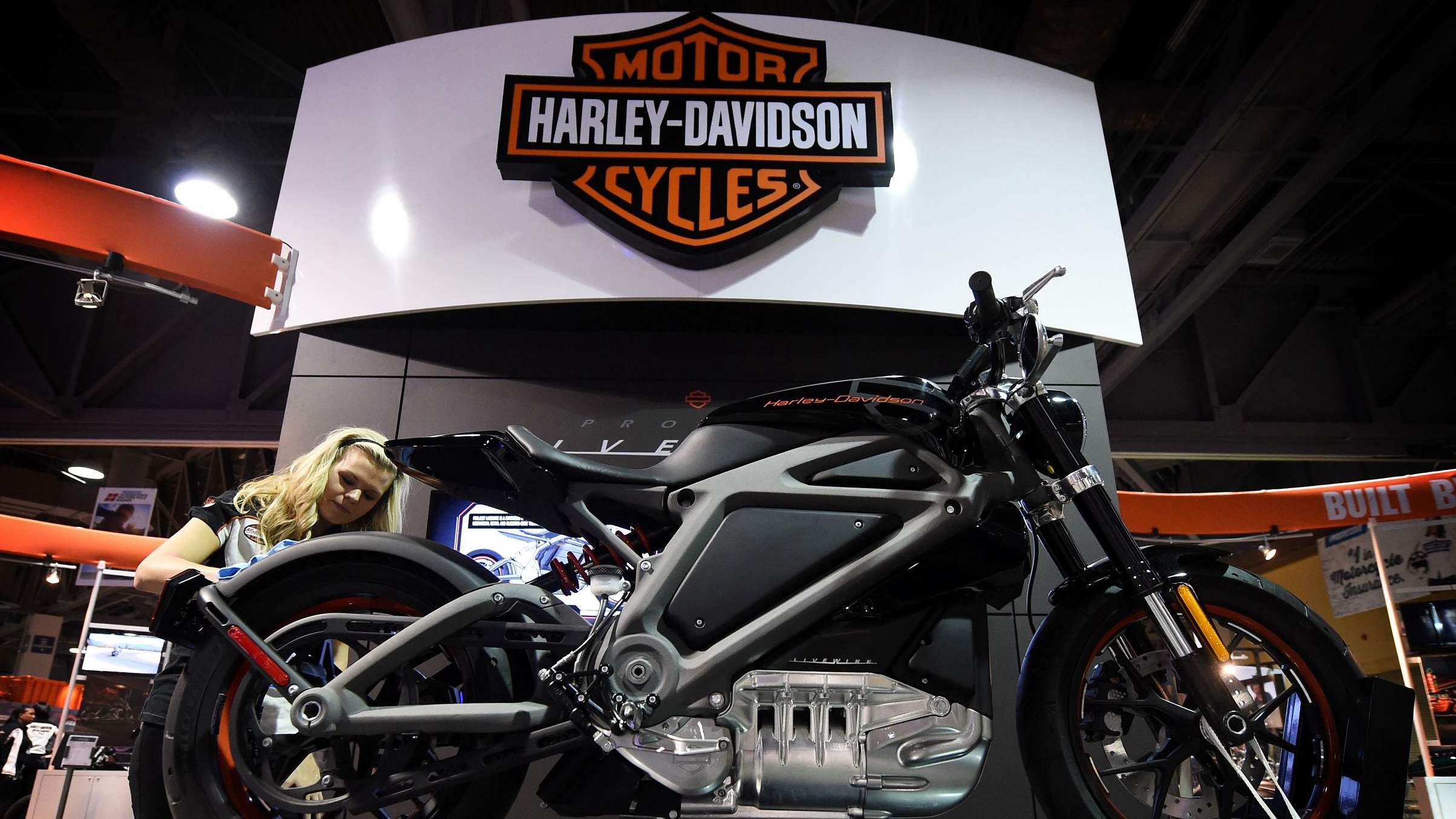 Harley-Davidson reports profit fall, dragged by trade war