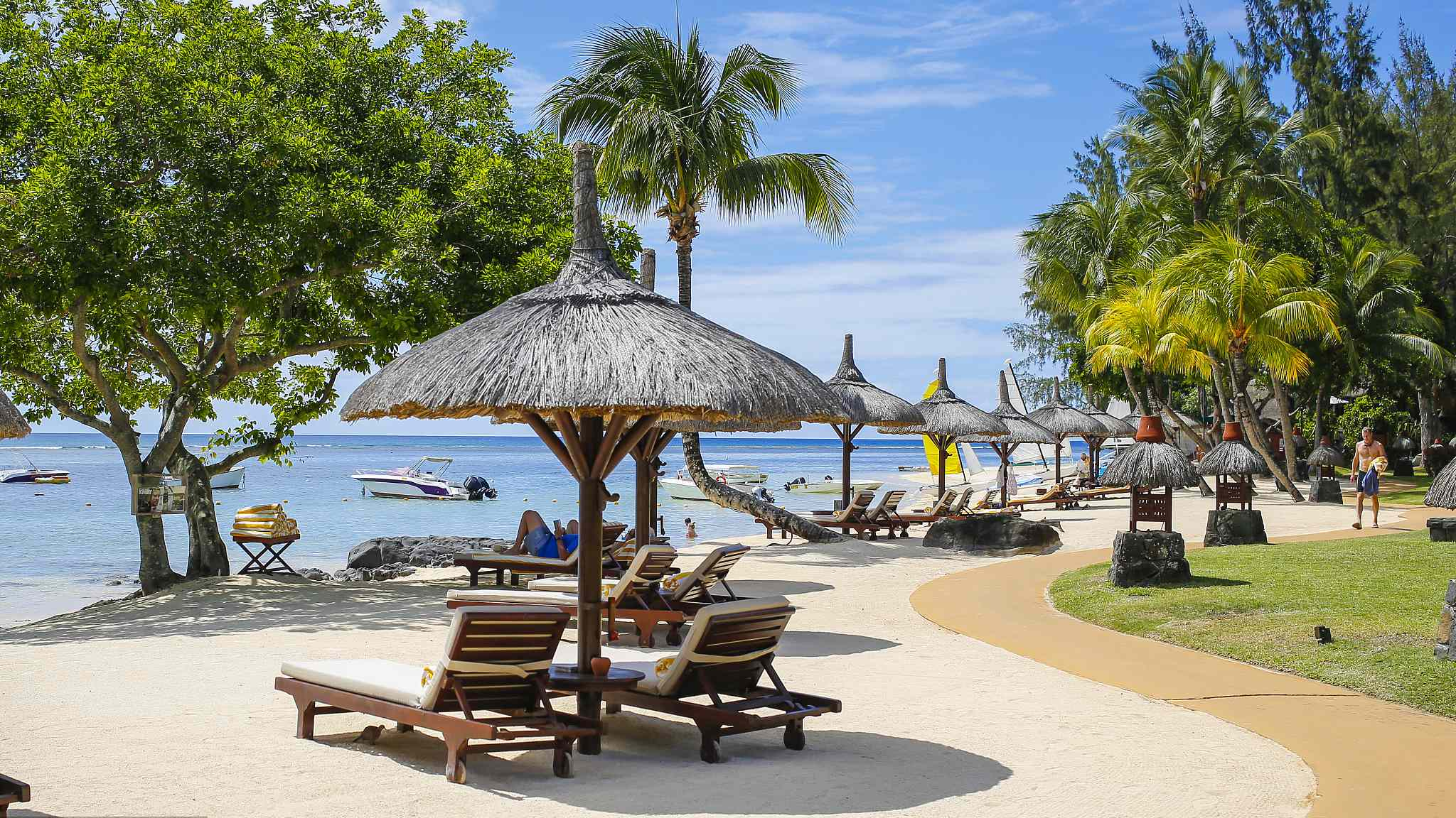 China-Mauritius, a paradise for honeymoons and fortune