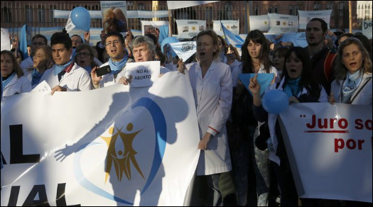 Doctors protest amid division in Argentina over abortion bill