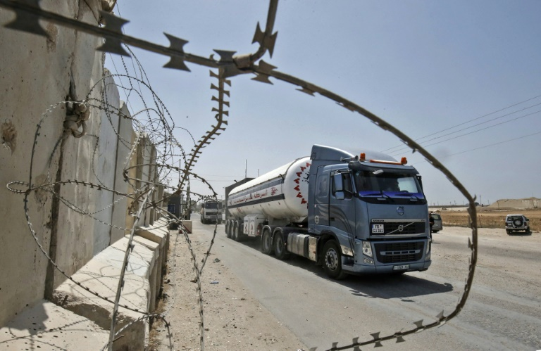 Fresh tension as Israel reimposes Gaza fuel blockade