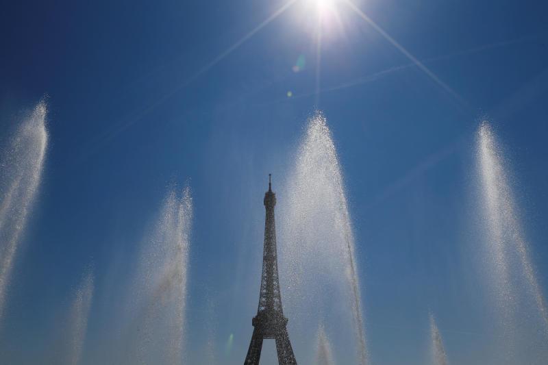 埃菲尔铁塔喷泉.jpg
