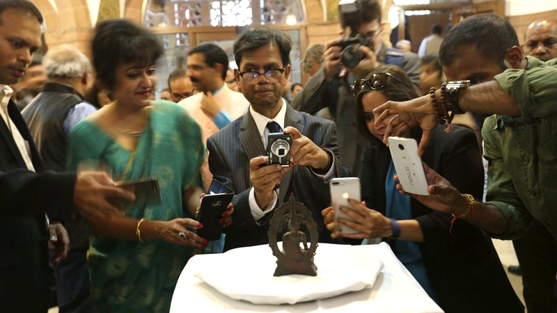 UK police returns Indian Buddha statue on India's Independent Day 57 years after theft
