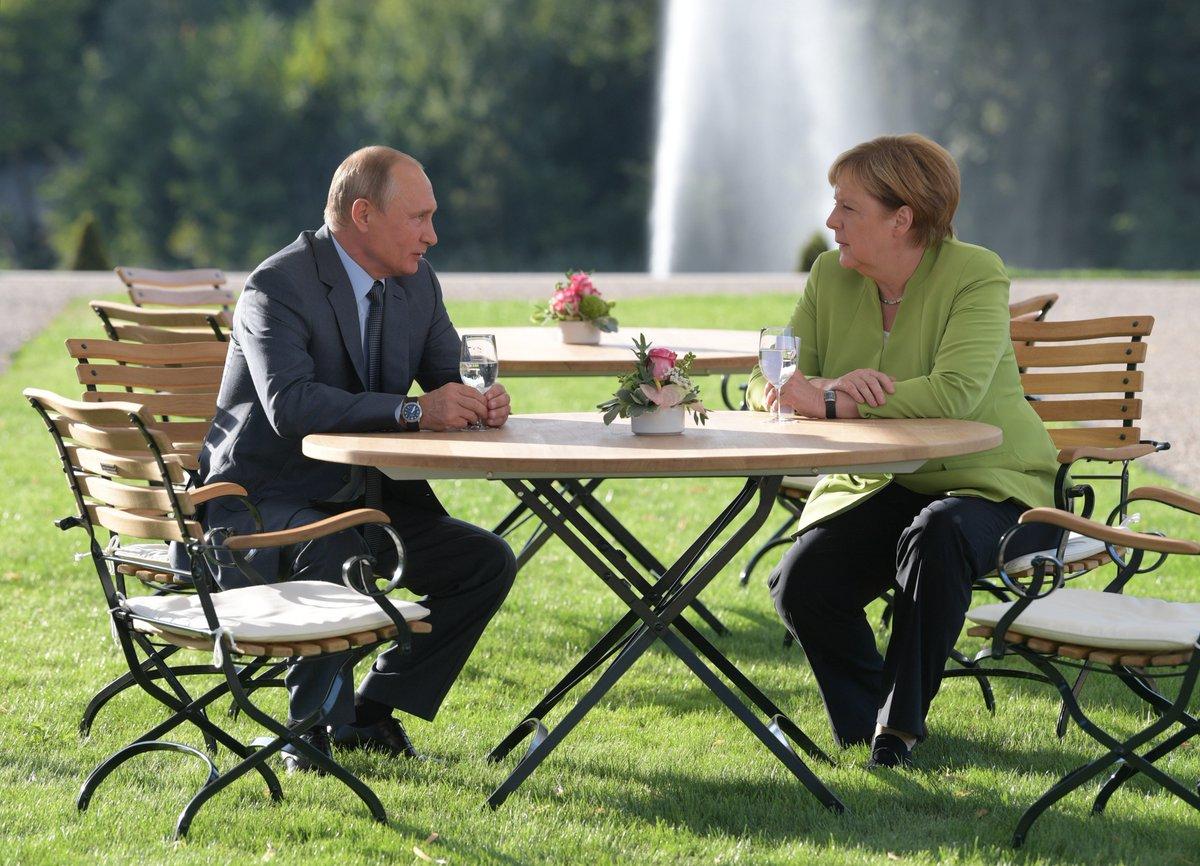 Putin Merkel.jpg