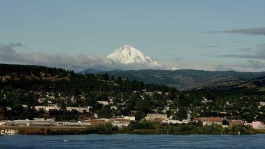 Magnitude 6.3 offshore quake hits west of Oregon: USGS