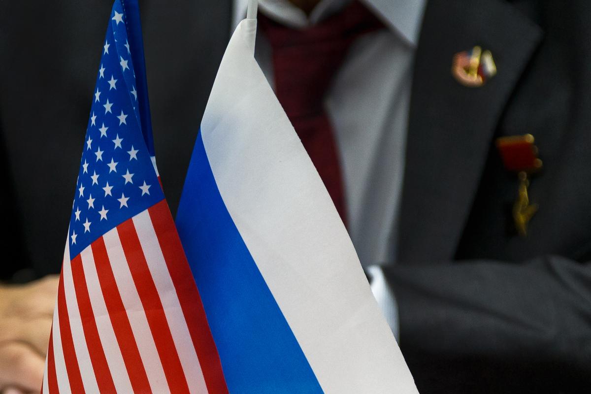 US-Russia-Flag-01.jpg