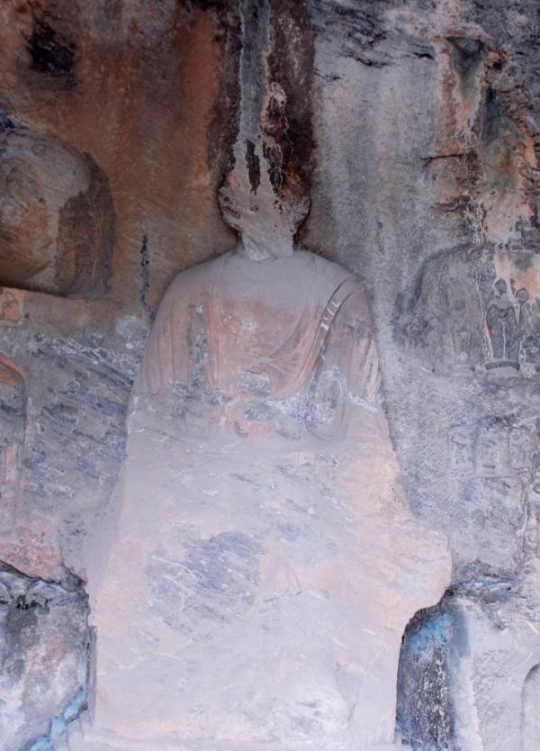 The status of the Buddha statue at the Longmen Grottoes [Photo provided by the Longmen Grottoes Research Institute]