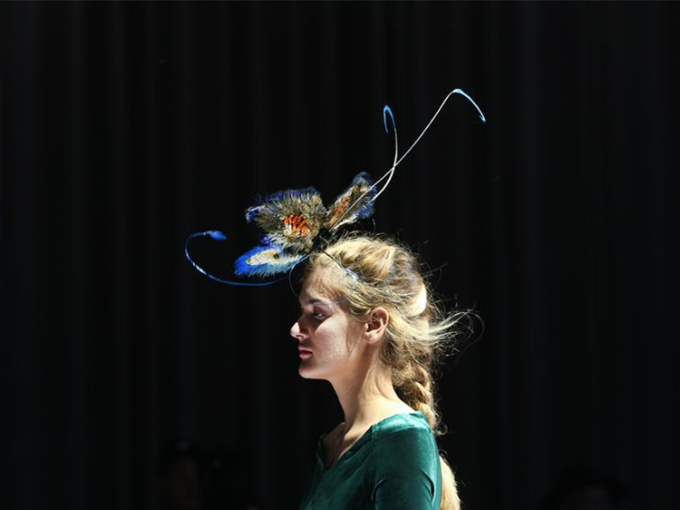 Hat-themed fashion show held in Beijing