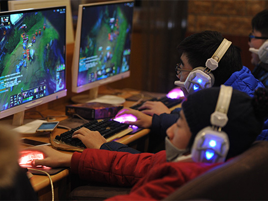 China to issue regulations on treatment of internet addiction