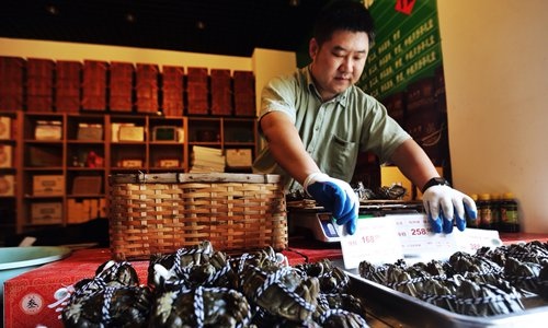 Prices of hairy crabs and other seasonal specialties plummet amid government crackdown on graft