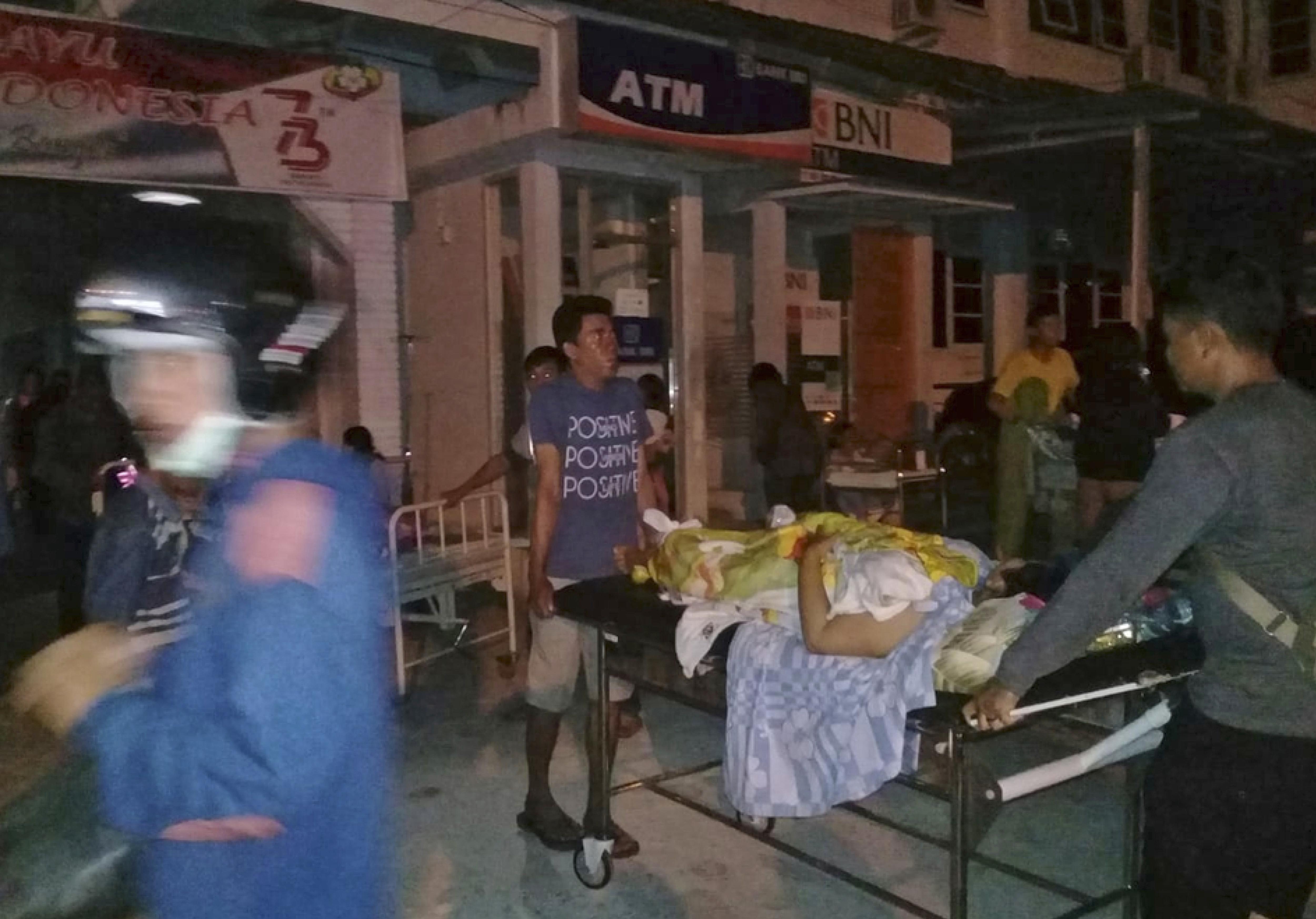 7.7-magnitude quake jolts Central Sulawesi, Indonesia