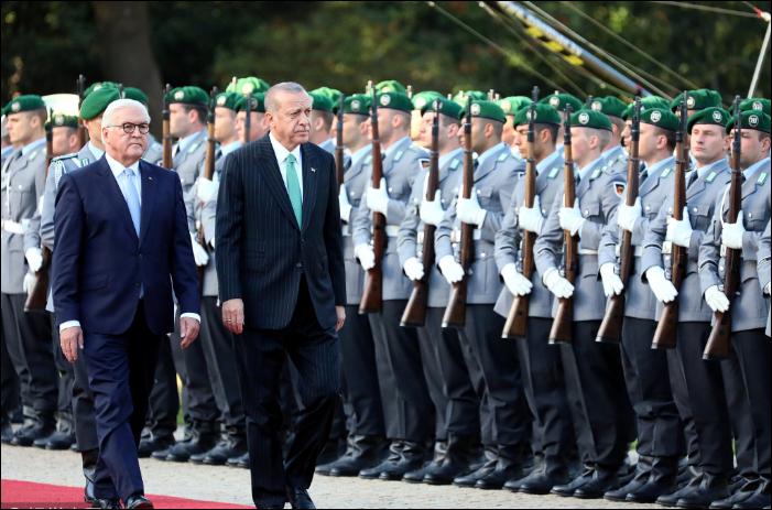 Merkel, Erdogan hold tense talks in shadow of protests