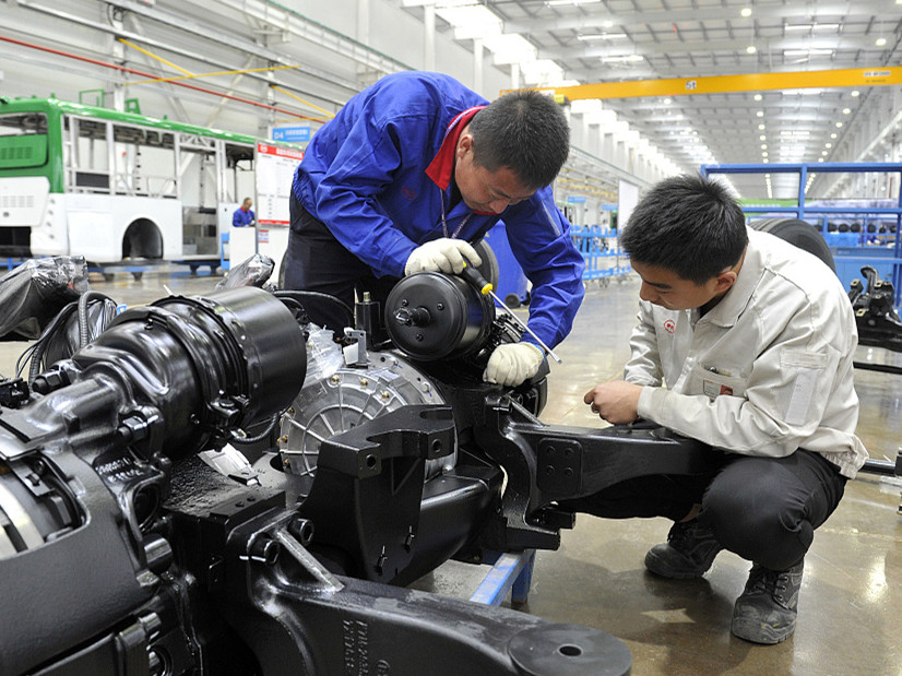 China's manufacturing activity expands slower in Sept.