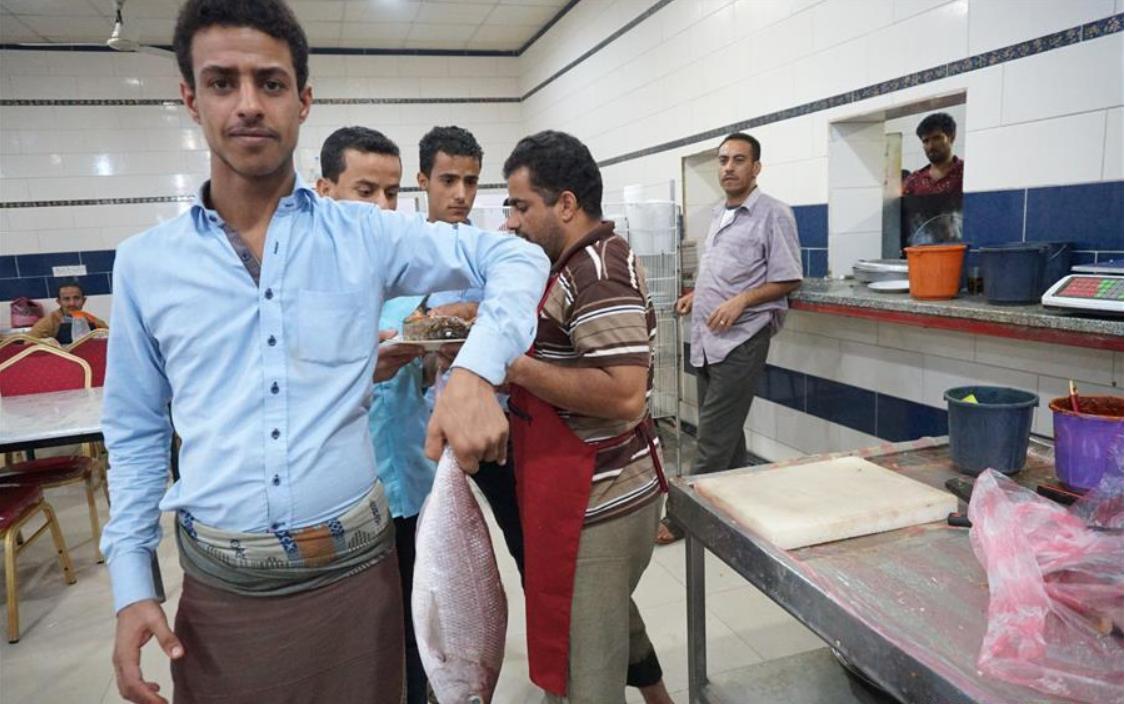 Fishermen struggle to survive in Yemen's war-torn Hodeidah