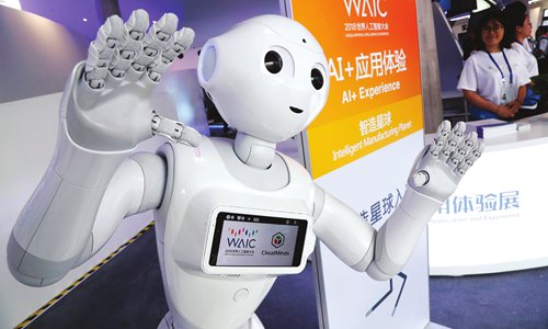China's industrial robot production surpasses 100,000
