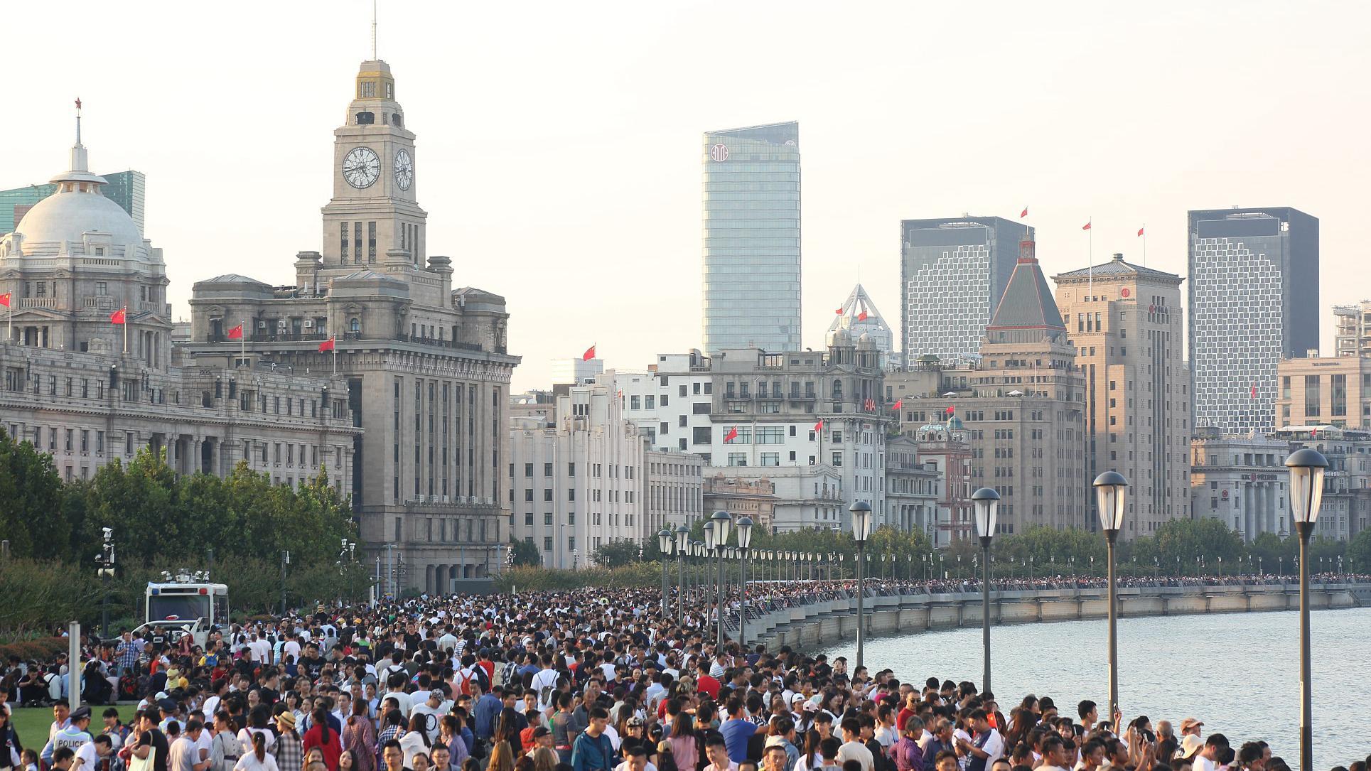 China's holiday-season consumption a stimulus to world economy