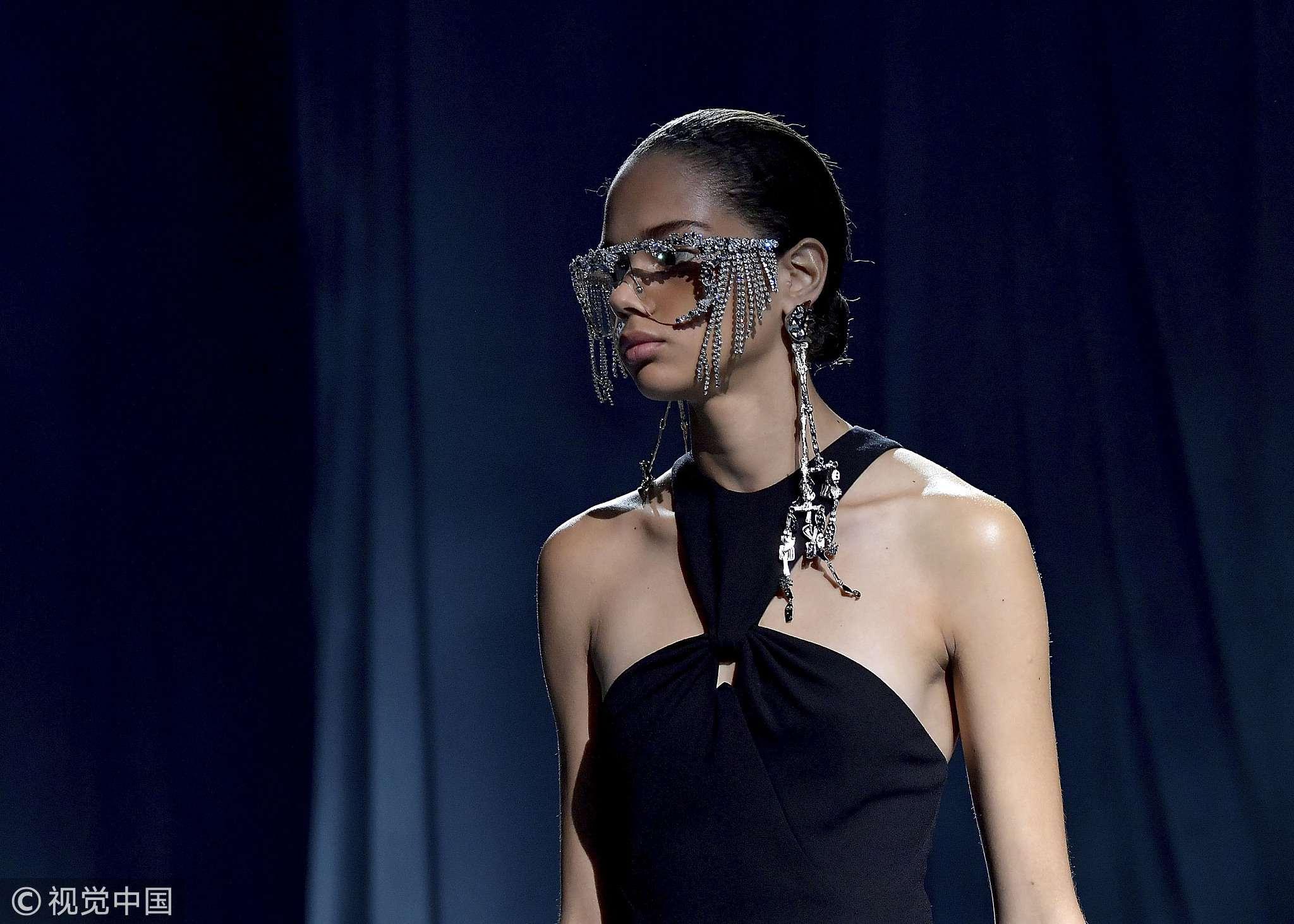 巴黎时装周Givenchy.jpg