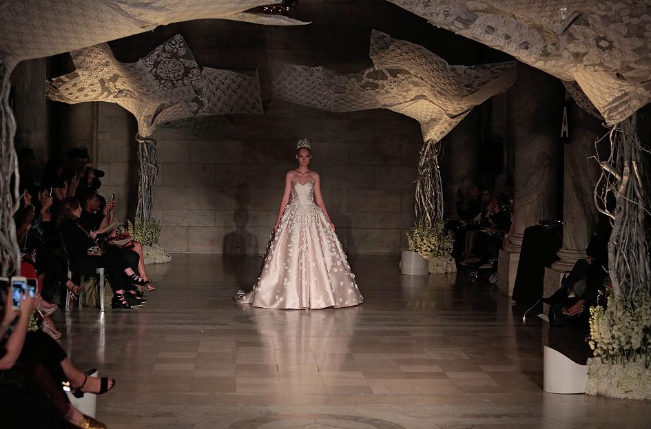 Winter bridal show 2019 at New York Fashion Week