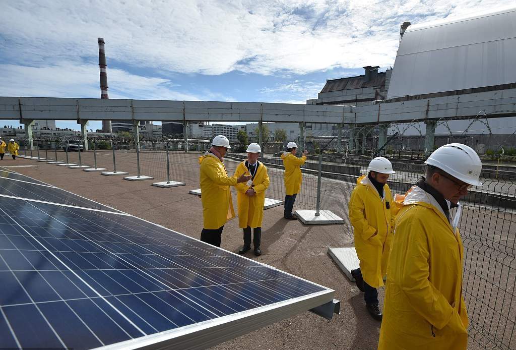 Chinese, Ukrainian firms launch construction of solar plant in Ukraine