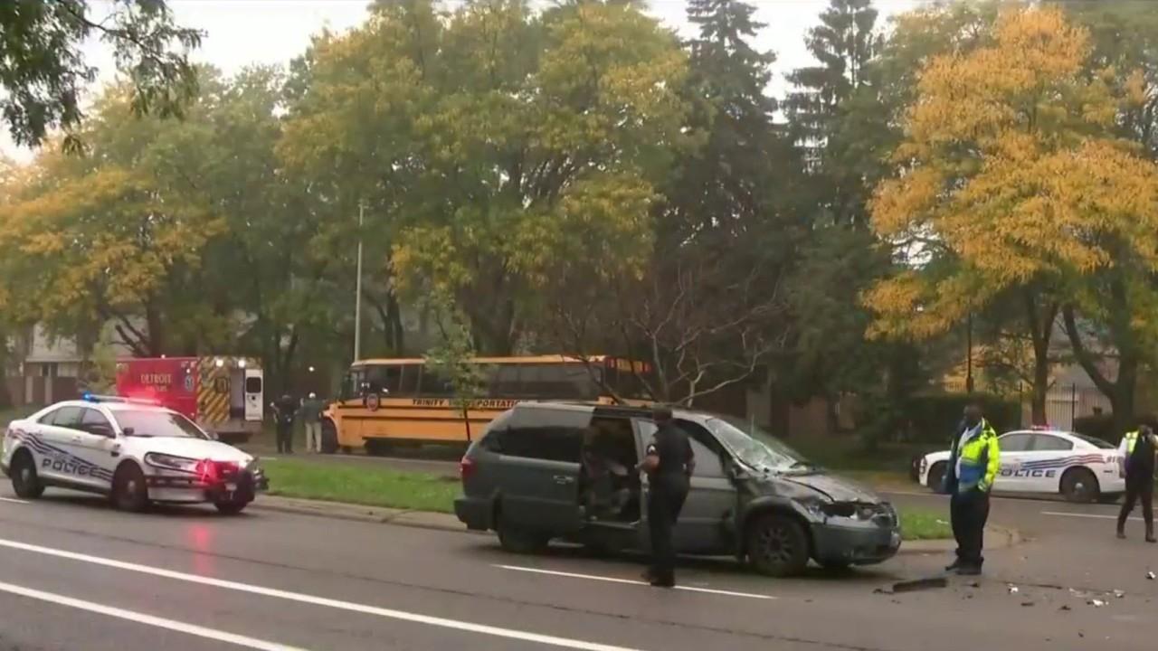 10 taken to hospital after school bus-van collision in US Detroit