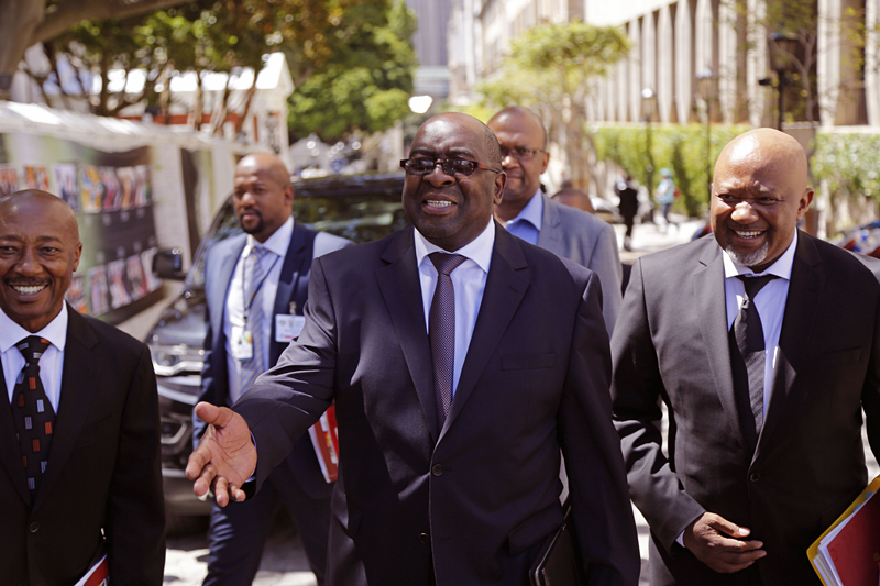 South African finance minister resigns after graft testimony