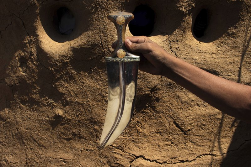 Yemeni smiths beat missiles into knives, not ploughshares