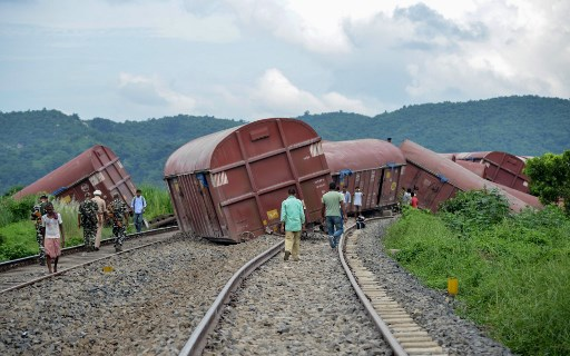 6 killed, 30 injured in train accident in northern India