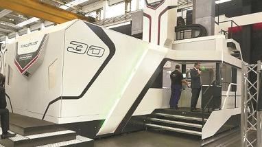 Largest CIIE exhibit arrives in Shanghai